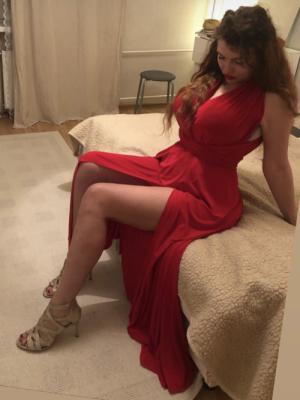 Julia 33 Russian , curvy, intelligent, ...